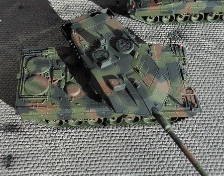 Fertigmodell: LEOPARD 2A6M Bundeswehr in NATO-Flecktarnanstrich lackiert